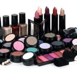 pile-of-makeup